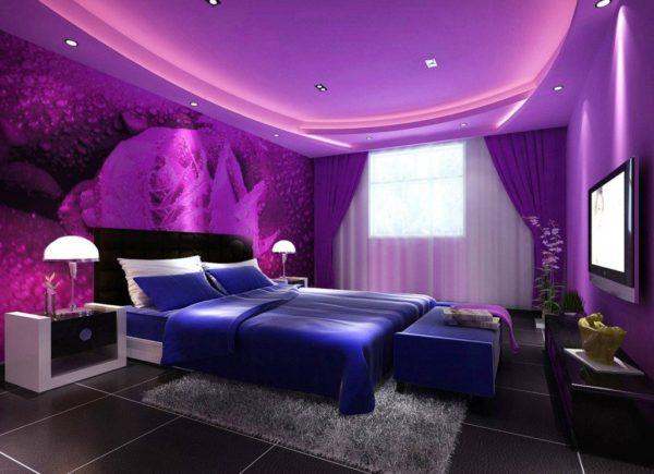 Фиолетовые обои в интерьере дома