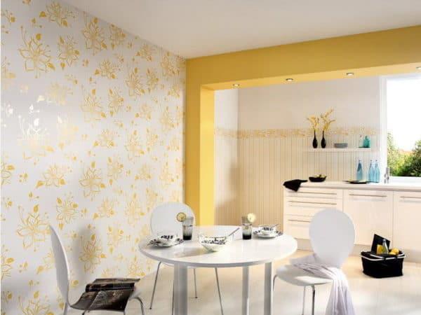 желтые обои для кухни
