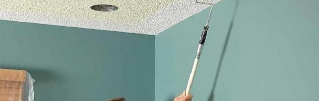 Как правильно покрасить потолочные обои